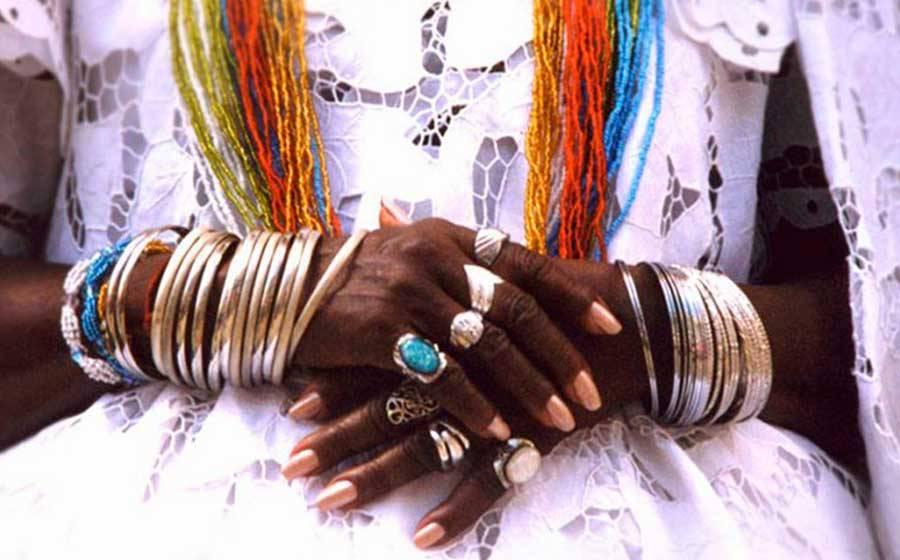 Religiões de matriz africana são alvos de 59% dos cde intolerância