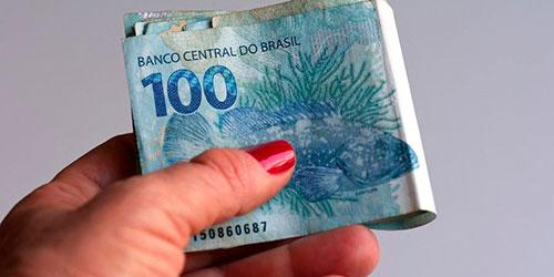 Salário mínimo em dezembro deveria ter sido de R$ 4.342,57, diz Dieese