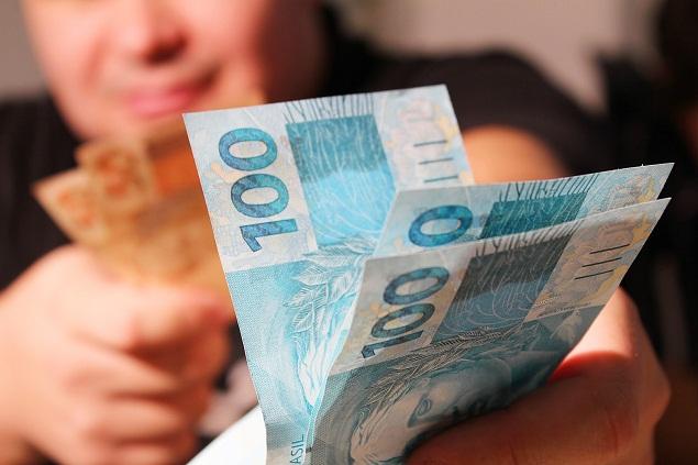 Veja como se cadastrar para receber os R$ 600