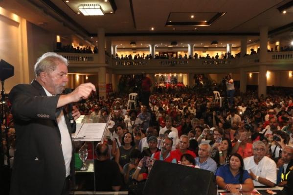 Lula: deem seis meses de paz e colocamos o país nos trilhos