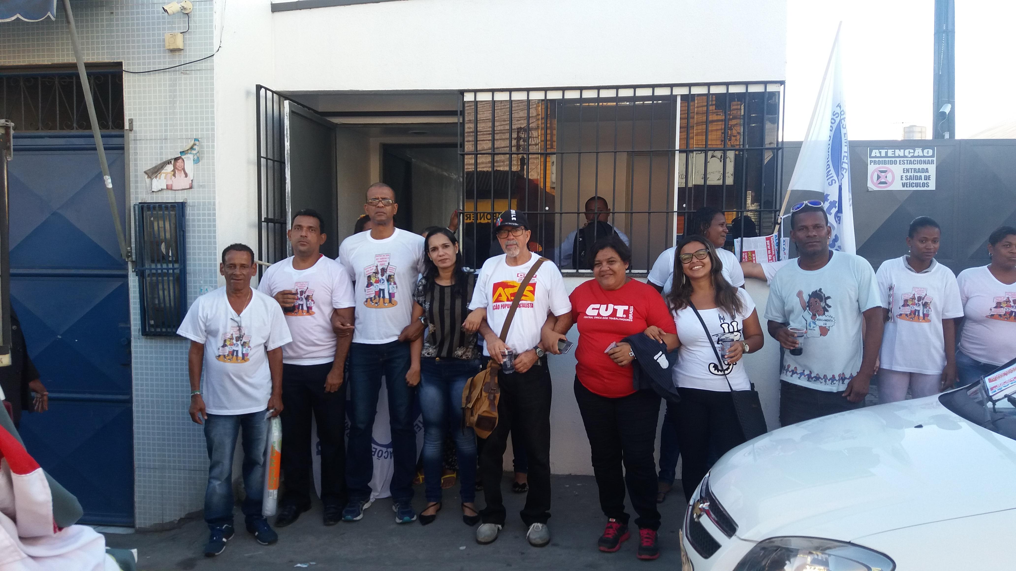 Greve Geral: Sinttel para a  Atento e vai às ruas em Feira de Santana