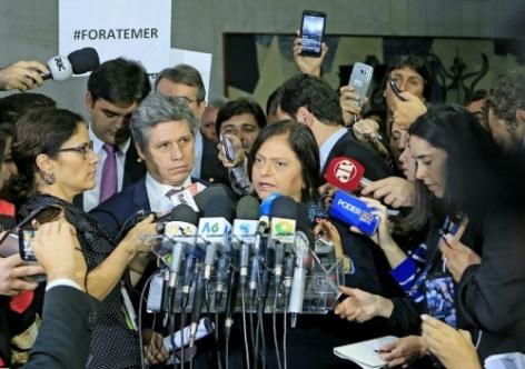 Partidos se unem para pedir impeachment de Temer