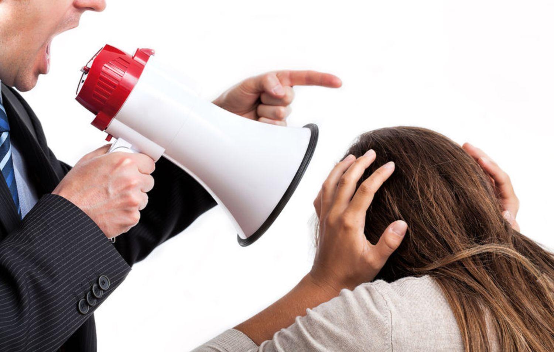 Trabalhadora é vítima de assédio moral e intolerância religiosa na Telefônica/Vivo
