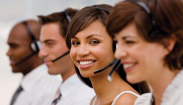 Operador de call center: como é estar na outra ponta da ligação que você odeia atender?