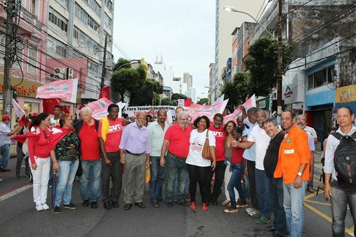 Dirigentes do Sinttel Bahia participam de caminhada contra a Reforma Trabalhista