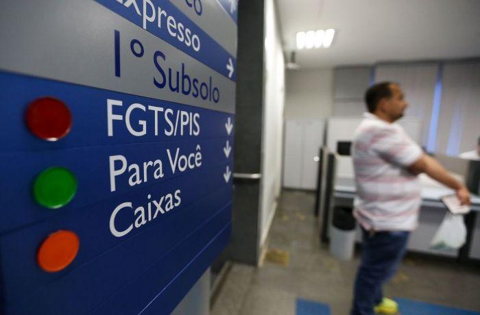 Mais de 3 milhões de trabalhadores recebem FGTS atrasado; outros, nunca recebem